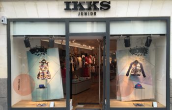 Vitrine de magasin Ikks junior