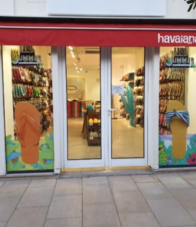 creation vitrine havaianas